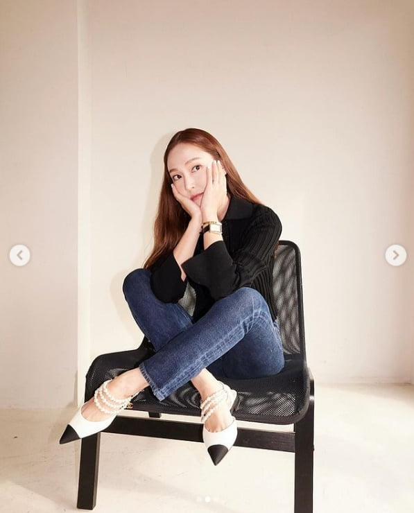 '타일러권♥' 제시카, 가디건+청바지만 입어도 패셔니스타...기분좋은날~[TEN★]