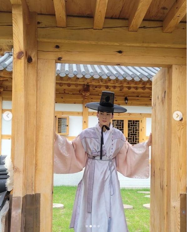 차은우,한복입고 이리오너라..'조선시대에도 얼굴천재'[TEN★]
