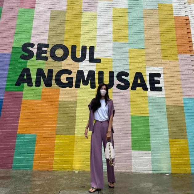 '정조국♥' 김성은, 성수동 핫플서 신난 39세 애셋맘…바지 수선 필요 없는 12등신 [TEN★]