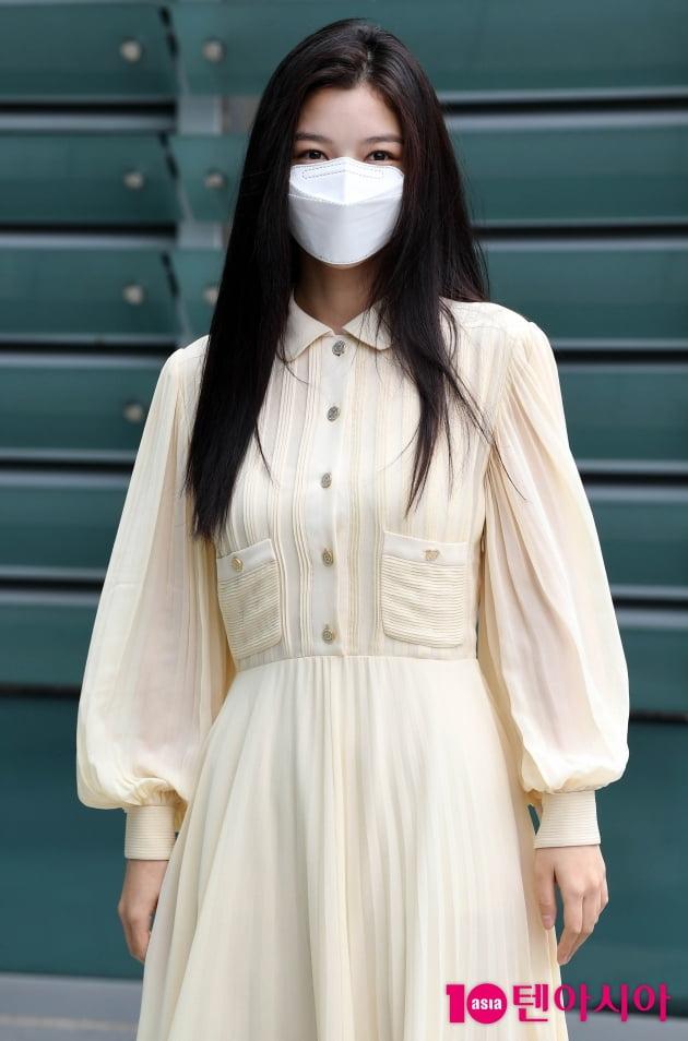 [TEN 포토] 김유정 '청순한 시스루 원피스'
