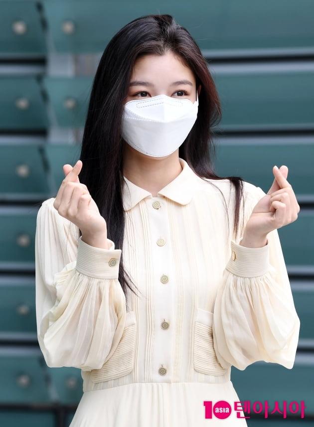 [TEN 포토] 김유정 '쪼꼬미 하트 뿅뿅'