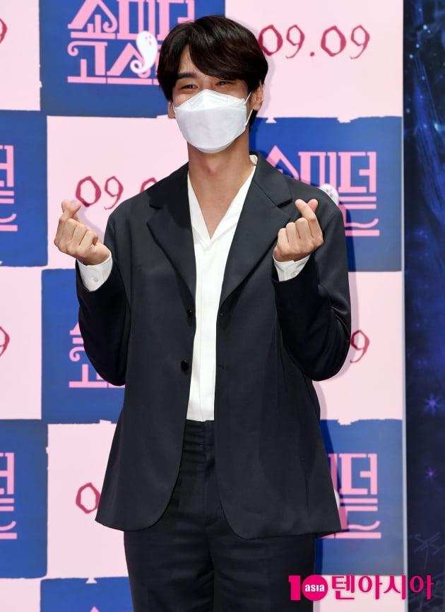 [TEN 포토] 홍승범 '잘생긴 퇴마사'