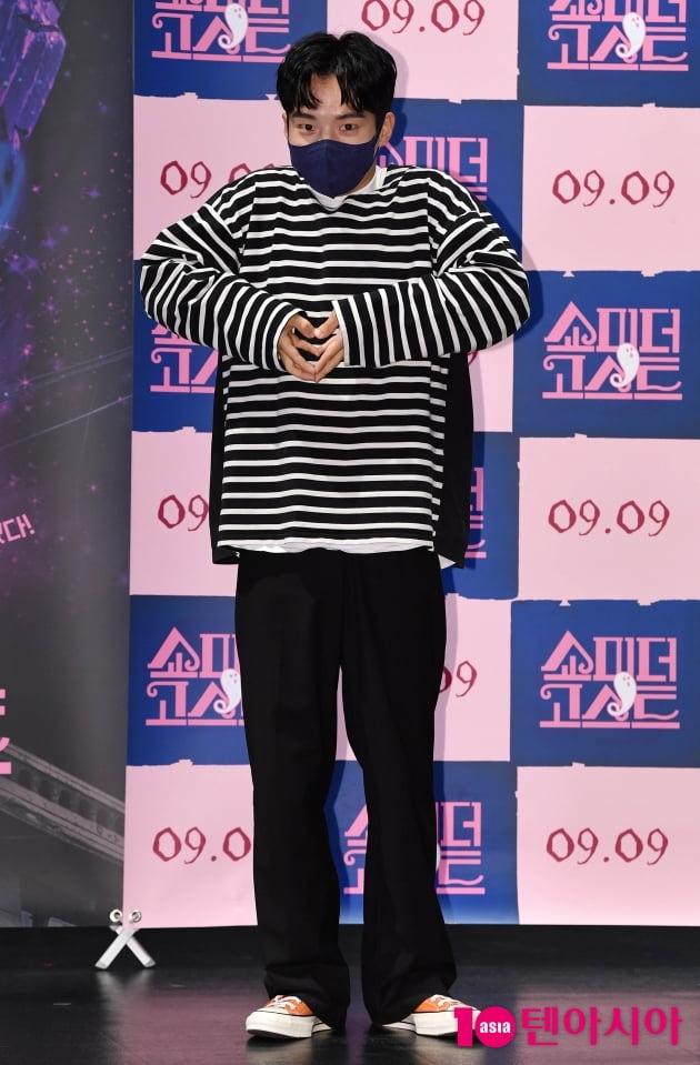 [TEN 포토] 김현목 '장난꾸러기 같은 하트'