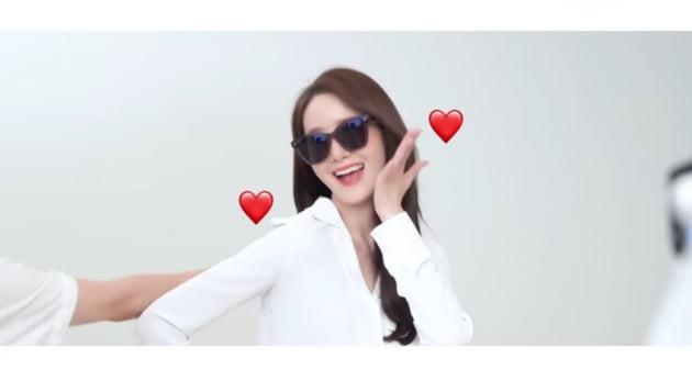 윤아, 청순한 꽃사슴 비주얼...오늘도 이쁨[TEN★]
