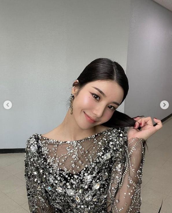 '아이즈원' 권은비, 공작같은 드레스에 반전 샌드위치[TEN★]
