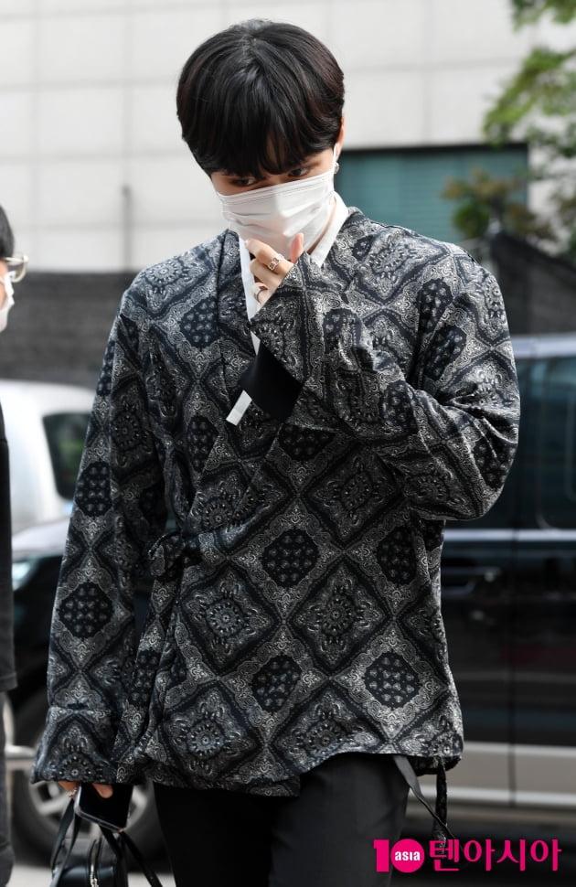 [TEN 포토] 위아이 김준서 '마스크로 가려도 훈훈한 비주얼'