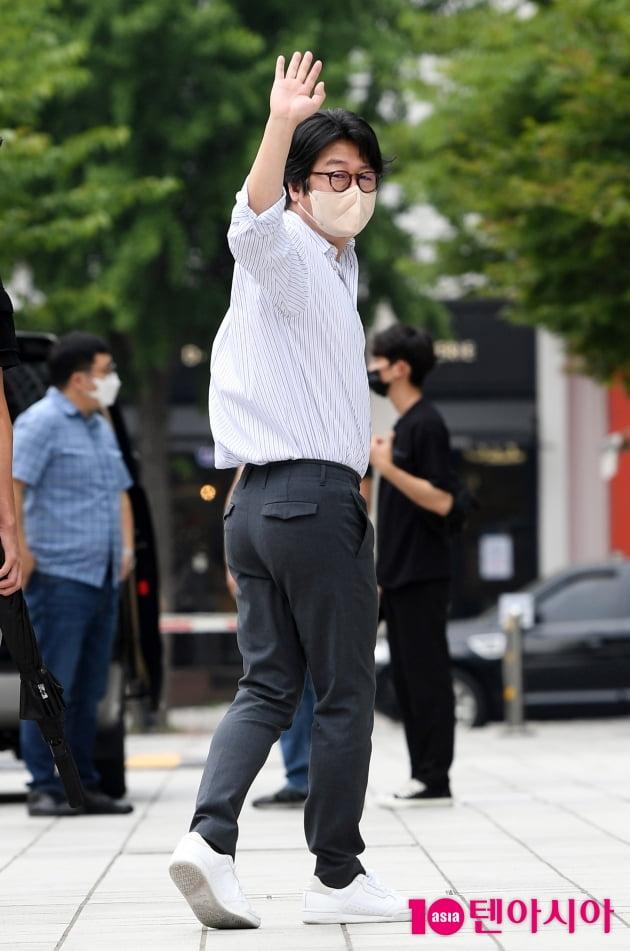 [TEN 포토] 김윤석 '최화정 만나러 가요'