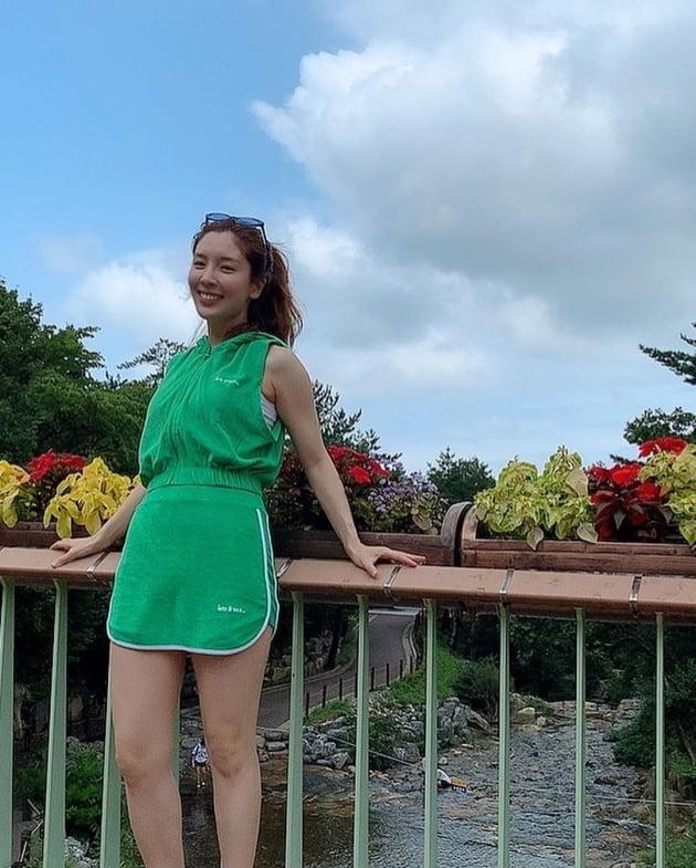 오뚜기3세 함연지X오뚜기 회장 함영준, '명품M사+골무모자' 범상치 않은 '힙한 부녀' [TEN★]
