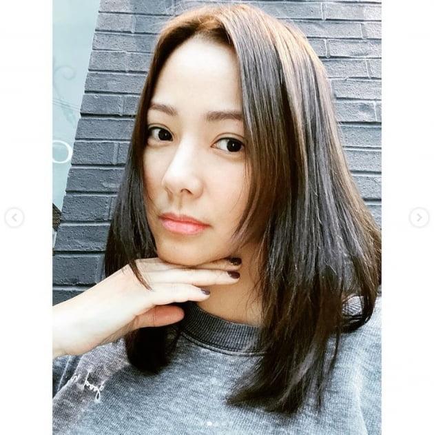 """'권상우♥' 손태영, 일상이 화보...""""동네라 너무 편하게 나왔네""""[TEN★]"""
