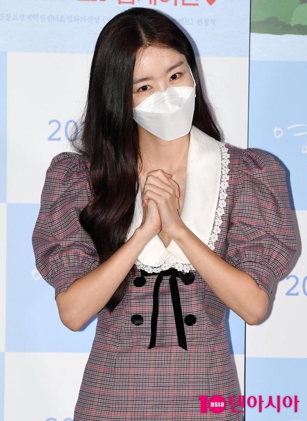 [TEN 포토] 한선화 '마스크 넘어 이쁨'