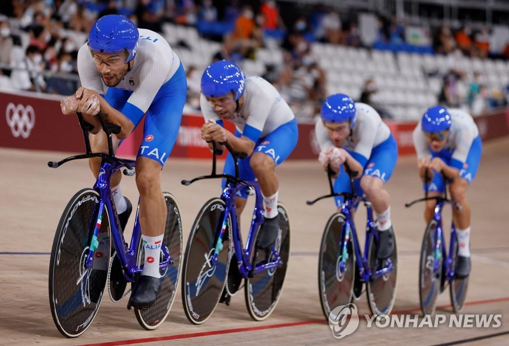 -올림픽- '세계신기록' 이탈리아, 사이클 남자 단체추발 금메달
