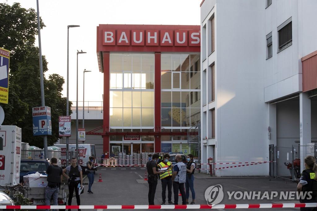 베를린 시내 칼부림에 총격 3명 중상…조직범죄 추정