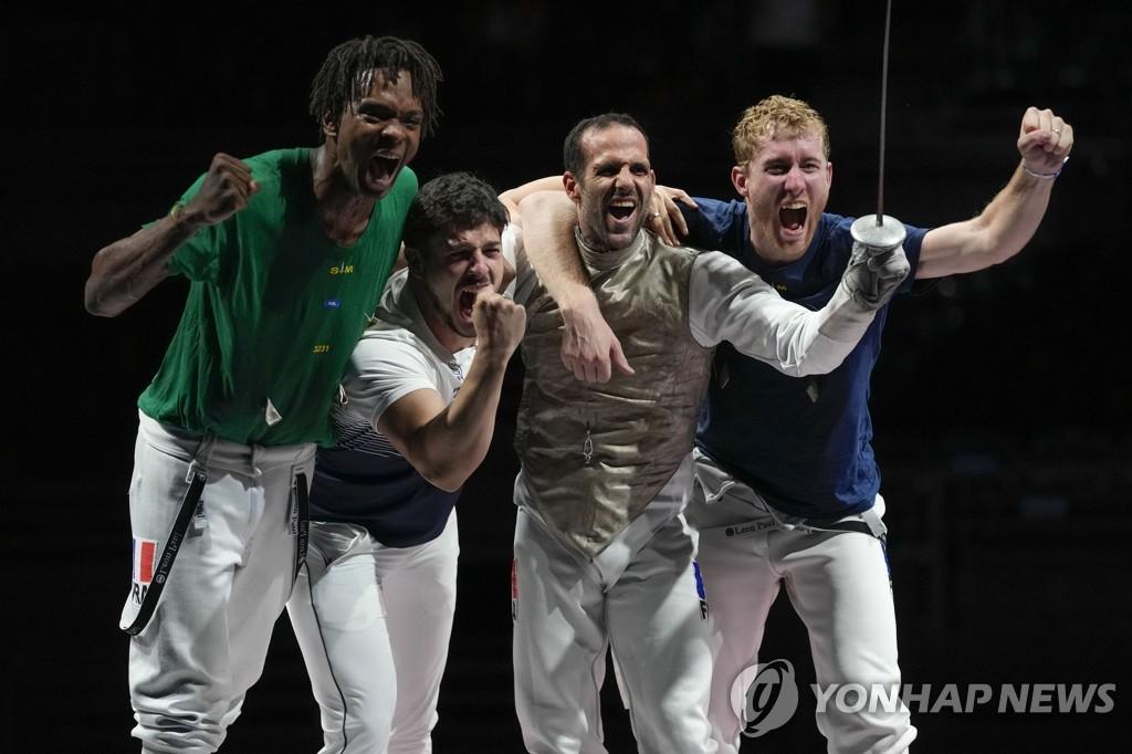-올림픽- 프랑스, 남자 플뢰레 단체전 우승…한국 펜싱 종합 3위