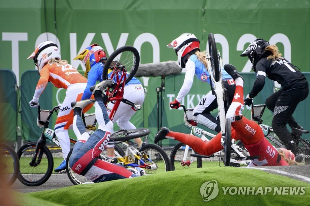 [올림픽] 메달은 없어도…BMX '윌로비 부부'의 감동 러브스토리