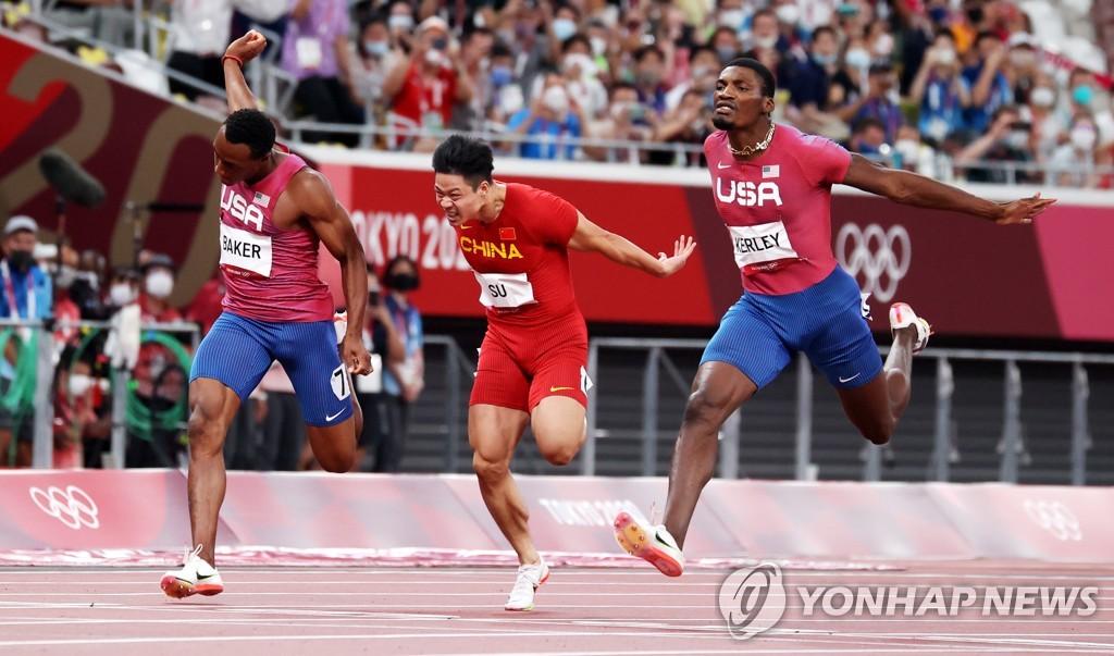 """[올림픽] 쑤빙톈 '9초83 질주'에 中 열광…""""황인종 한계 넘었다"""""""