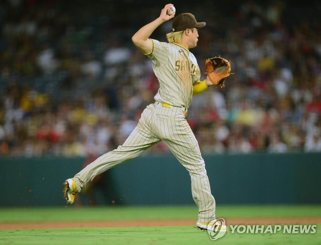 대수비 출전한 김하성, 타석에선 삼진…오타니는 40홈런·20도루
