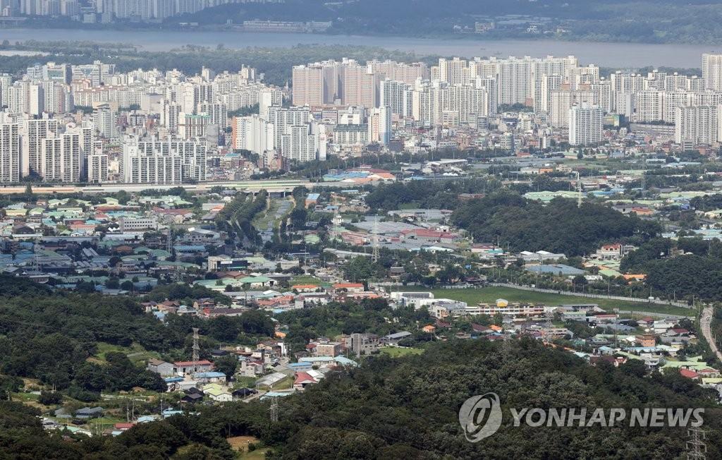'사전청약 피한 민간분양' 8월 3만가구 육박…수도권에 63% 몰려