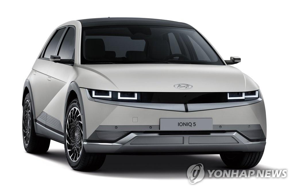 """현대차 아이오닉5 구매자 절반이 50대…""""내연기관차와 비슷"""""""