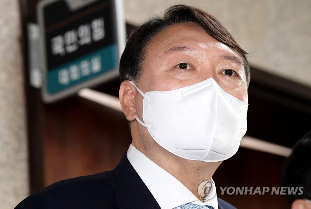 """'부정식품' 발언…與 """"불량후보"""" vs 尹 """"어이없어"""""""