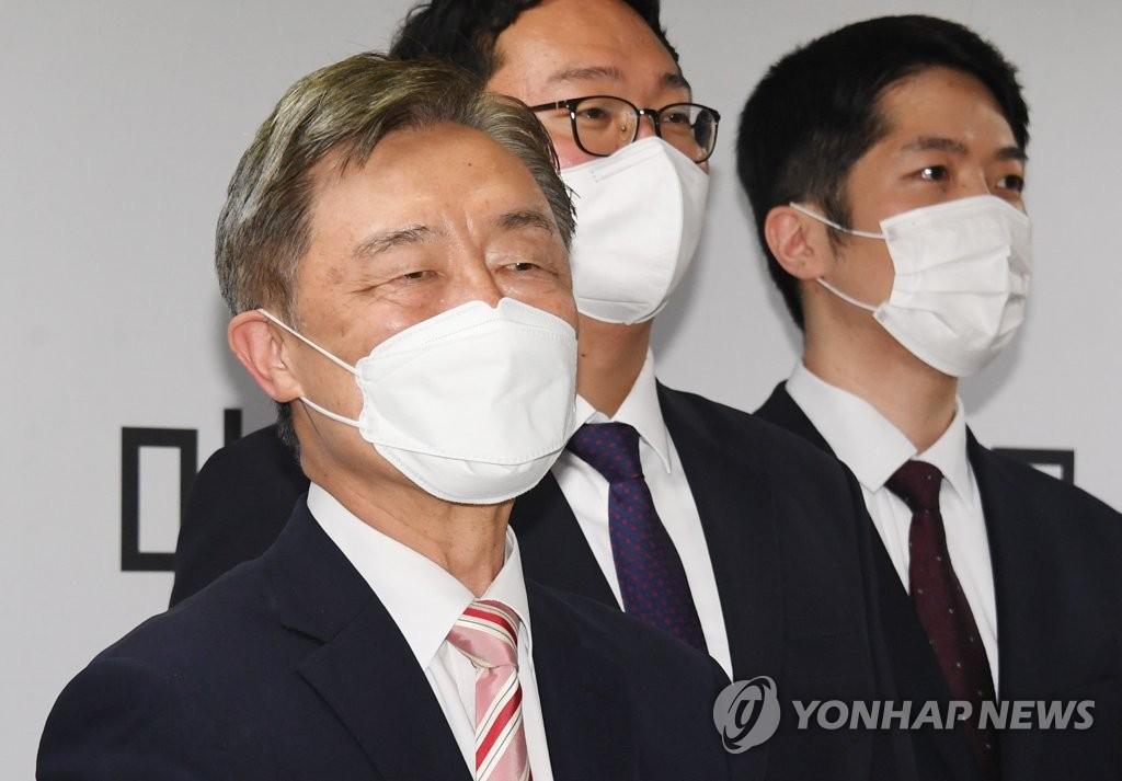 """최재형, 대선출마…""""무너져가는 대한민국 지켜만 볼 수 없다"""""""