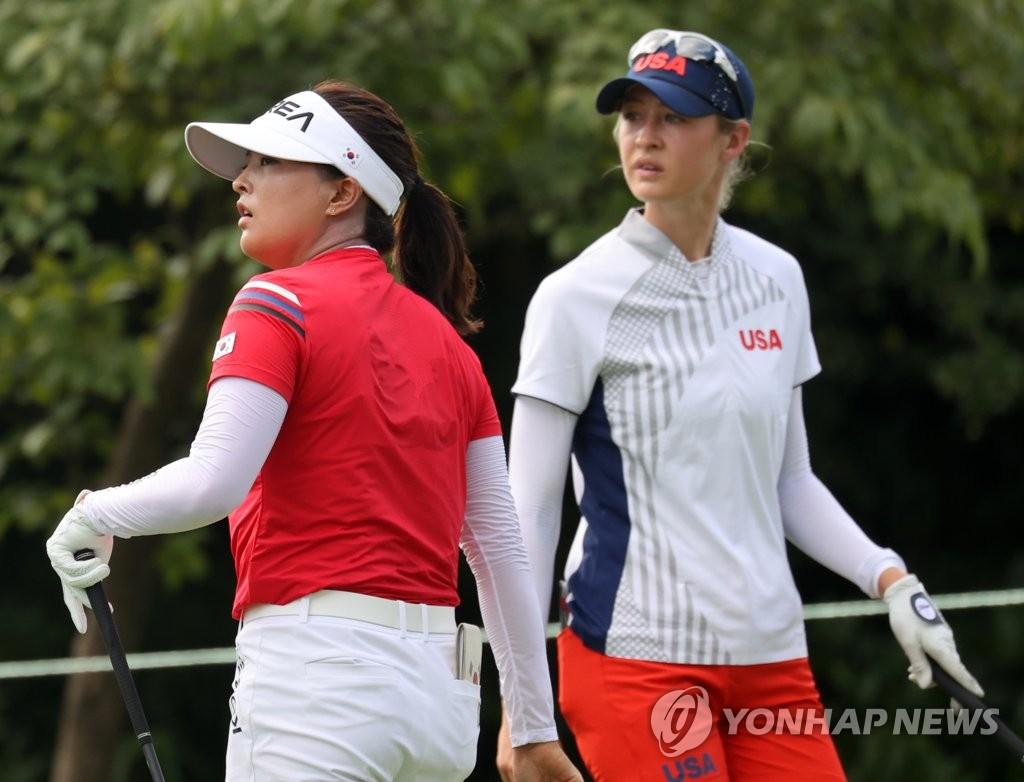 """[올림픽] 첫날 4위 고진영 """"'메달 없인 의미 없어' 캐디 말에 정신 번쩍"""""""
