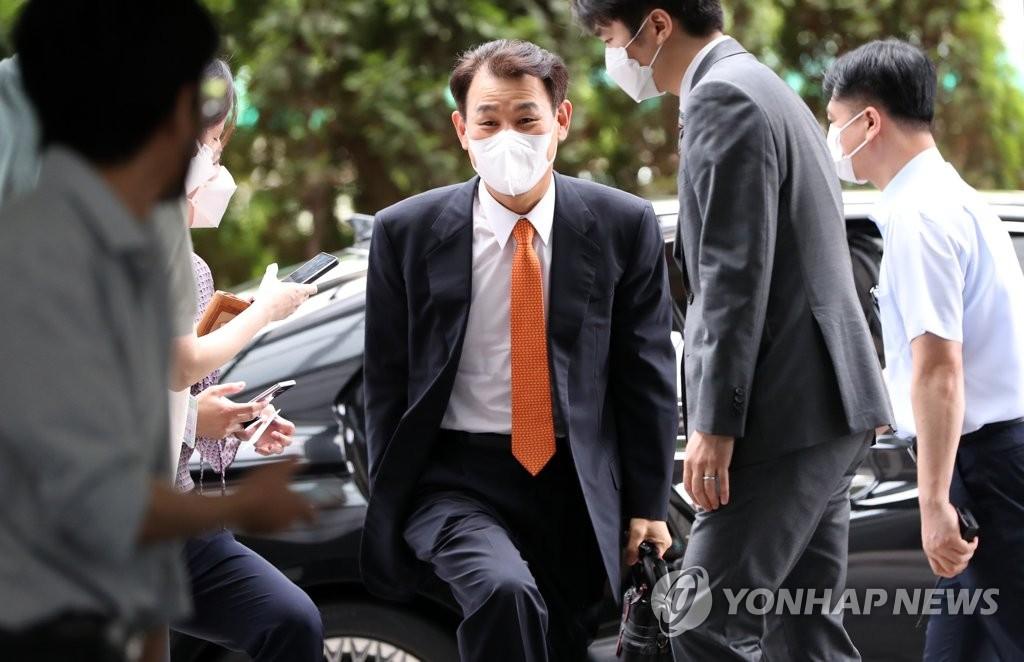 """정은보 """"금융감독 본분은 규제 아닌 지원…시장과 소통하라""""(종합)"""