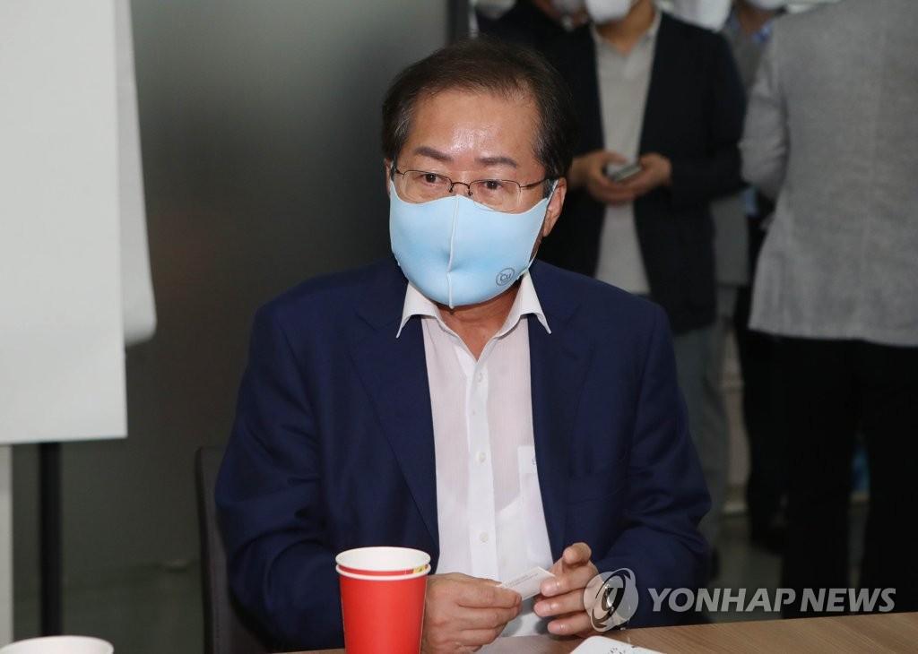 """홍준표, '尹, 박근혜 불구속 의지'? """"거짓말…정치인 다 됐네"""""""