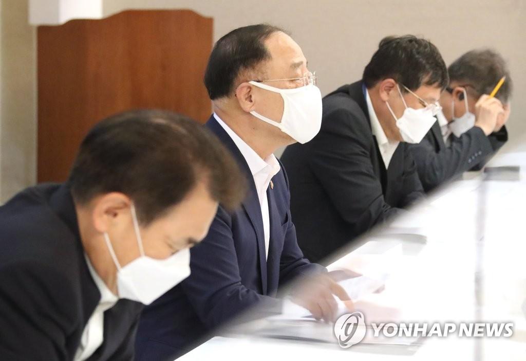 """홍남기 """"남양주 군부대 이전부지에 주택 3천200호 공급""""(종합)"""