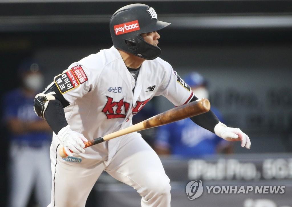 '5회 7점' kt, 삼성에 역전승…이대호 결승포·추신수 쐐기포(종합)