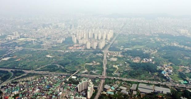인천에서는 구월·수산동 선수촌사거리 일대 220만㎡에 1만8000가구 규모의 신규 공공택지가 조성된다. 선수촌사거리 일대 신규 공공택지 조성 대상지 모습. /연합뉴스