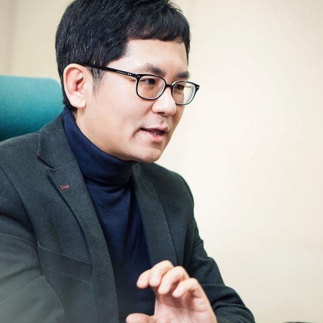 문유석 작가/사진=CJ ENM 제공