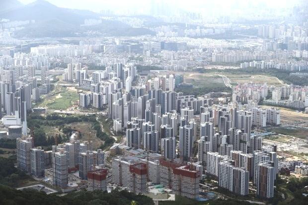 남한산성에서 바라본 서울 송파지역 모습. /연합뉴스