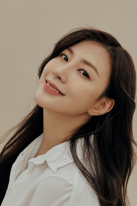 에이핑크 오하영, 오늘(3일) Sarang 프로젝트 싱글 '파인 트리' 발표