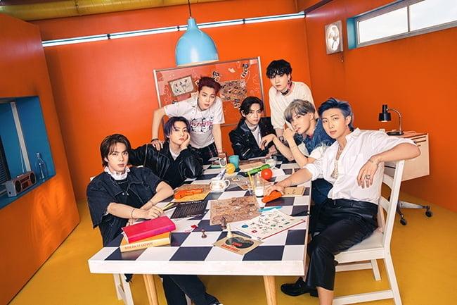 방탄소년단, 美 `2021 MTV VMA`서 `베스트 그룹` 등 3관왕 영예