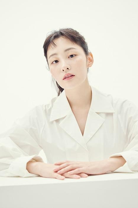 배우 김민하, `청순+러블리` 새 프로필 사진 공개