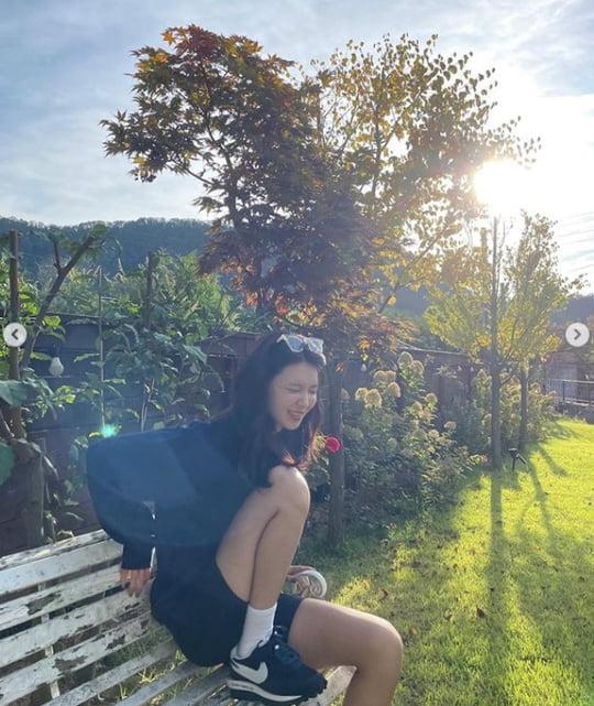 최수영, ♥정경호가 찍어 줬나…이기적인 각선미 '눈길' [TEN★]
