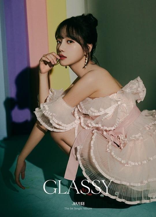 조유리, 첫 번째 싱글 앨범 'GLASSY' 비주얼 포토 공개 완료