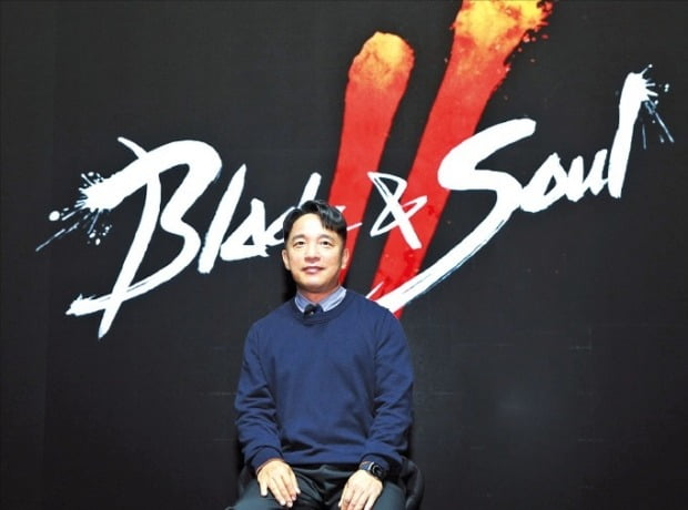 엔씨소프트가 공식 유튜브 채널에서 신작 '블레이드앤소울2'를 공개했을 당시. 이날 김택진 대표가 직접 나서 게임을 소개했다.  / 엔씨소프트 제공