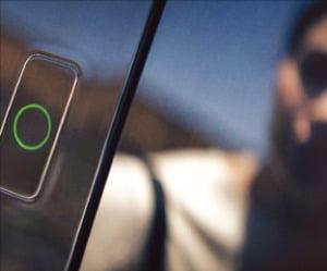 GV60에 탑재되는 '페이스 커넥트'의 카메라. 얼굴 인식으로 문을 열 수 있다.  현대차 제공