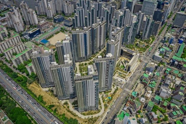 (사진) 최근 입주를 마친 1446가구 규모의 서울 서초구 서초동 '서초그랑자이'. /GS건설 제공
