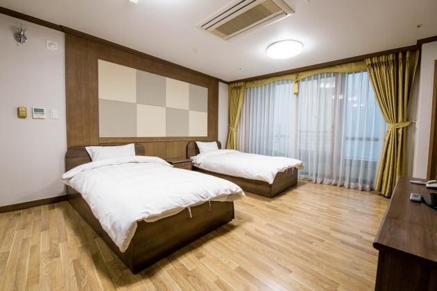 호텔 수준의 깔끔하고 쾌적한 수련원 객실