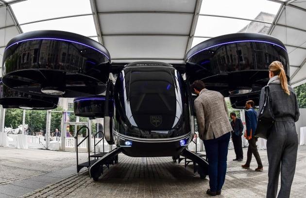 (사진) 우버의 드론 택시 호출 서비스 '우버에어'에 활용될 벨의 '넥서스' 컨셉트 차량. /AFP 연합뉴스