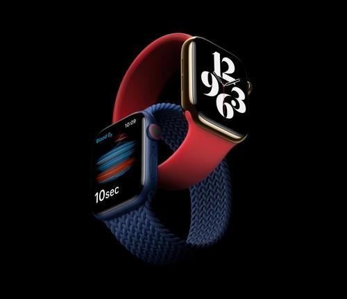 "WSJ ""애플, 내년에 나올 애플워치에 혈압·체온 측정 탑재 계획"""