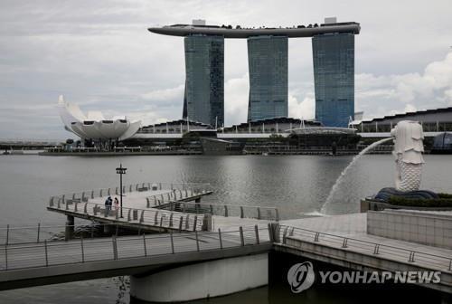 신규확진 연일 최다 싱가포르, 노년층 부스터샷 접종 추진