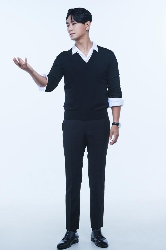 우주여행 가이드로 변신한 주지훈…KBS '키스 더 유니버스'