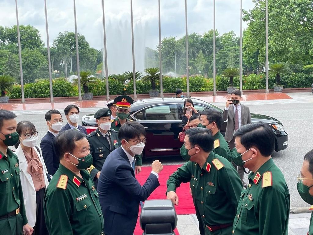 한-베트남 국방전략대화…해양안보 협력·교육교류 강화키로