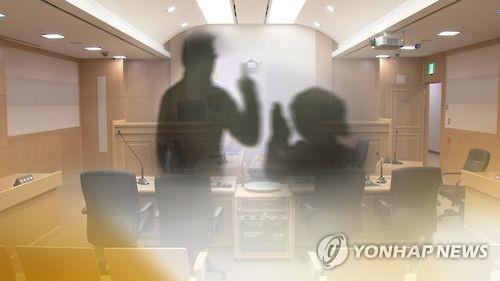 갈비뼈 16개 부러뜨려 조카 살해…외삼촌 부부 징역 25년(종합)