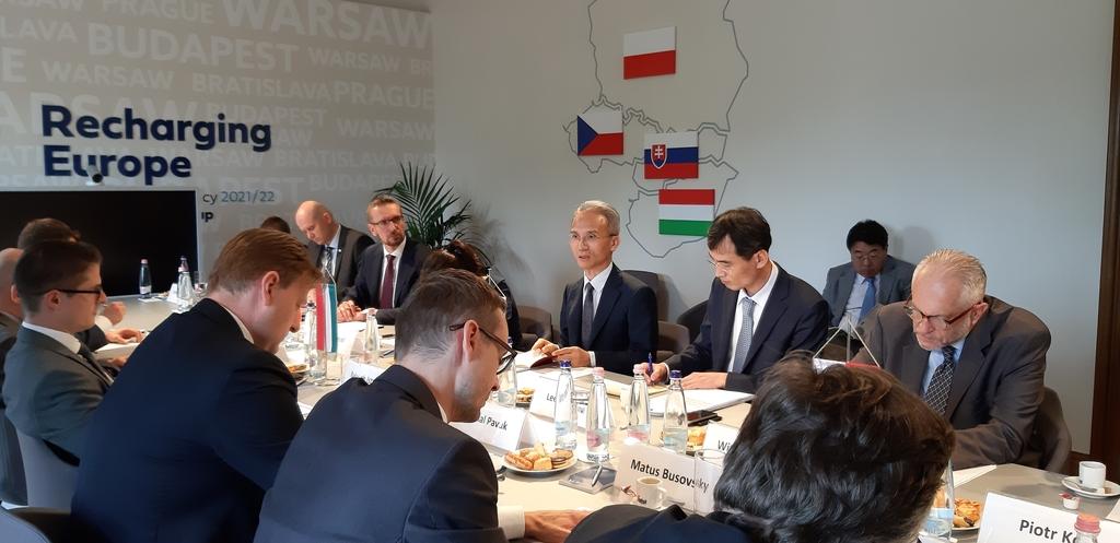 외교차관보, 헝가리 방문…중유럽 4개국과 협력강화 논의