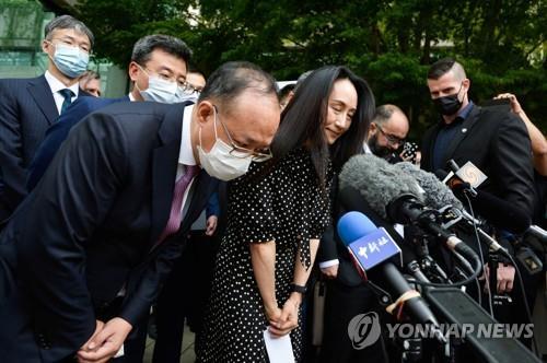 """멍완저우 """"조국이 가장 큰 버팀목""""…중국 공산당에 감사"""