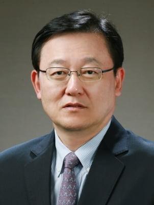 홍석우 전 장관, 상지대 8대 총장에 선임
